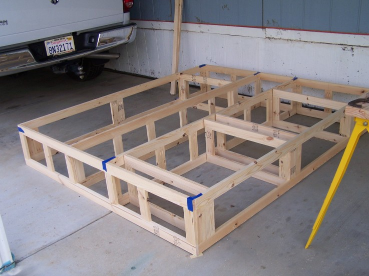 Woodwork platform bed frame with drawers plans pdf plans - How to build a queen size bed frame with drawers ...