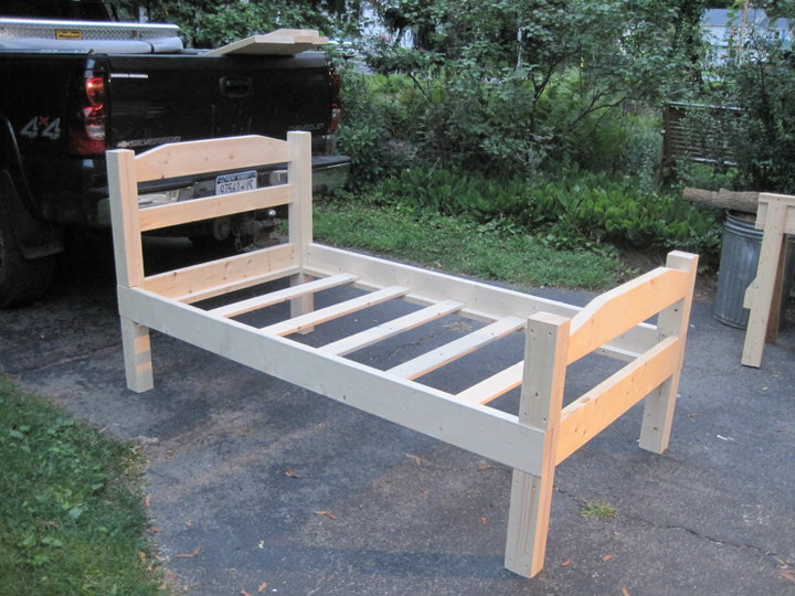 Diy twin bed frame plans pdf woodworking for Twin size childrens bed frames
