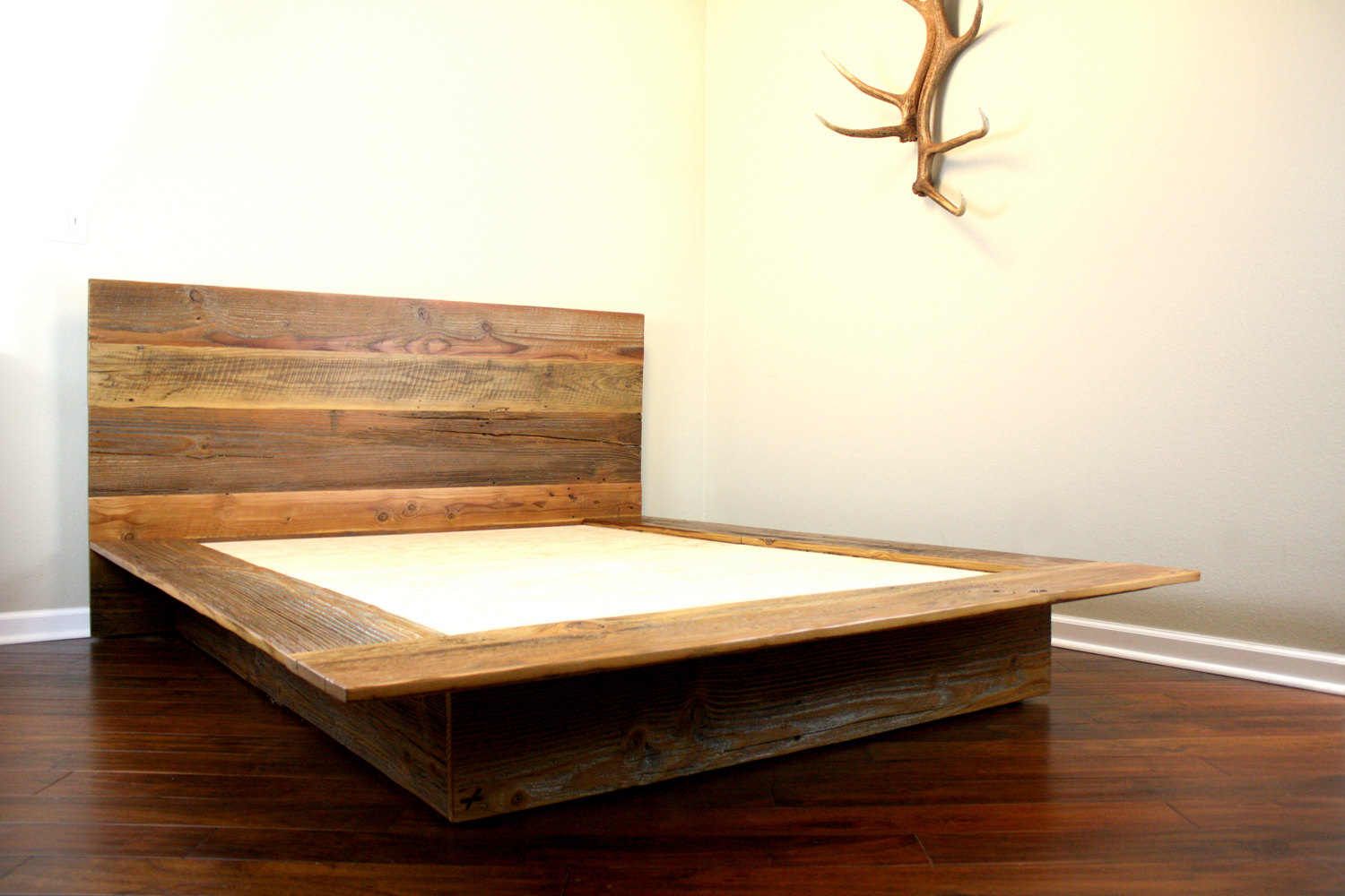 reclaimed wood bed plans