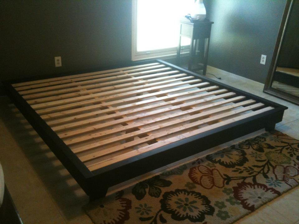 How To Build A Queen Size Platform Bed With Storage | Dark Brown Hairs